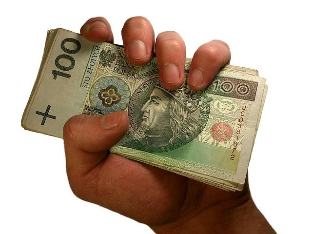 Kredyt konsolidacyjny – jakie zadłużenia pomaga spłacić?